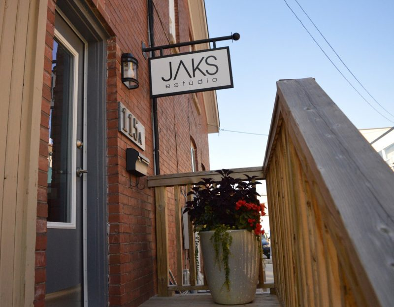 Jaks estudio - Oakville Hair Salon